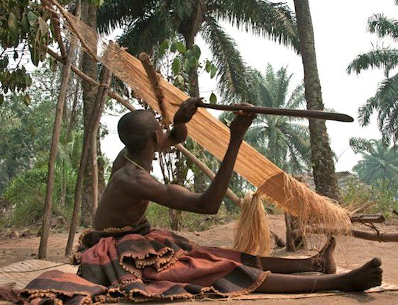 Weaving kuba cloth from raffia on 45 degree loom